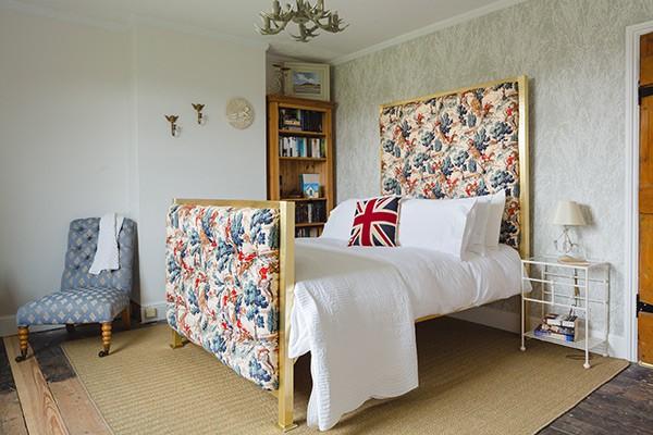 iron u0026 upholstered beds