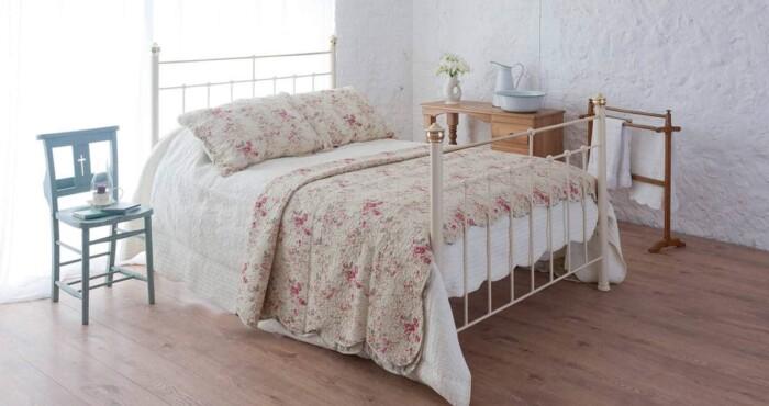 Beatrice iron bed