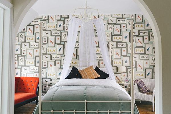 elsa canopy iron bed