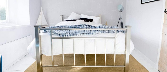 Tara nickel and brass bed
