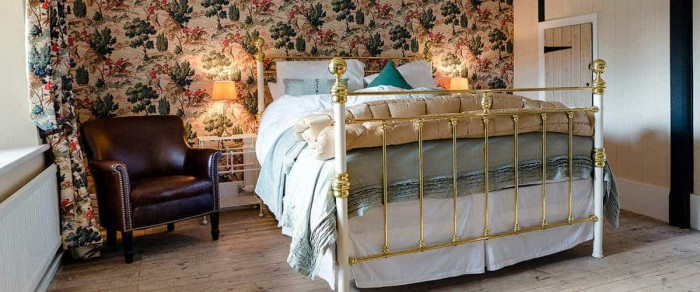 Iron and brass bed George