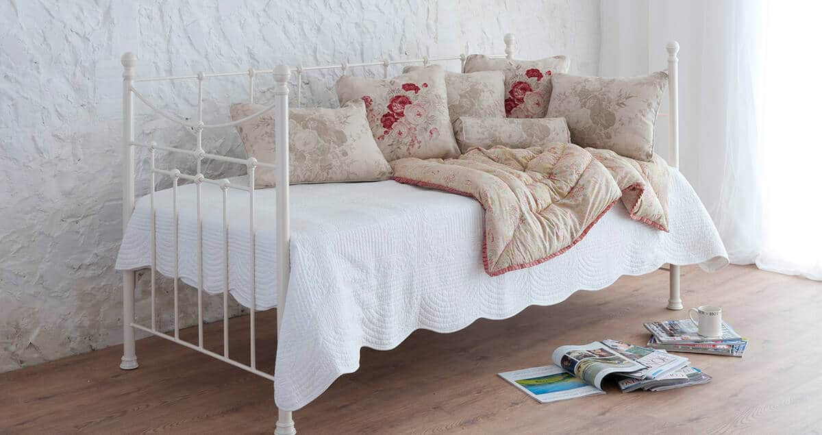 lily iron day bed