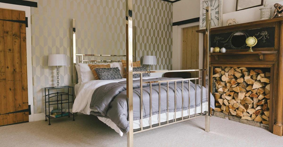 Amelia Brass & Nickel Bed