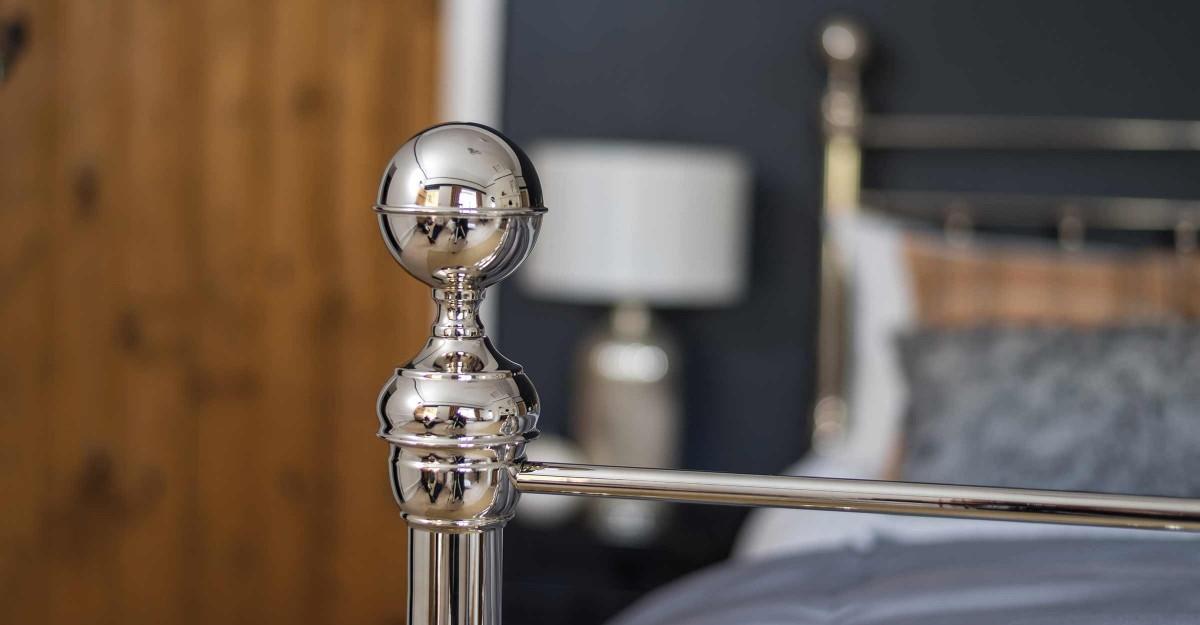 Brass-and-Nickel-Bed_Arthur_Nickel-Finial