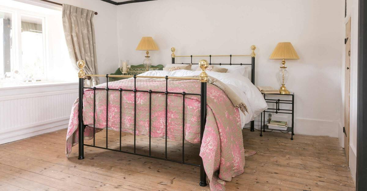 Iron-Bed-and-Brass-Bed_Nelson