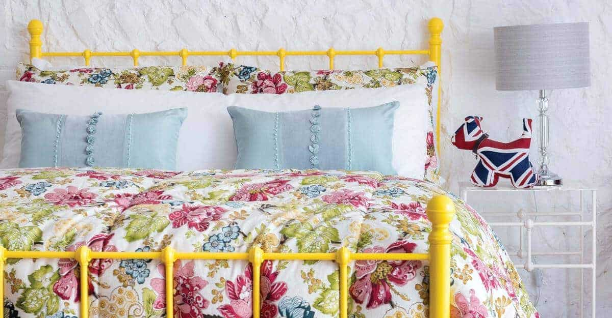 Iron-Bed_Grace_Yellow