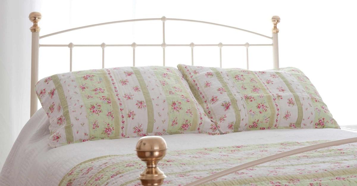 Iron-Bed_Jenny_tailboard
