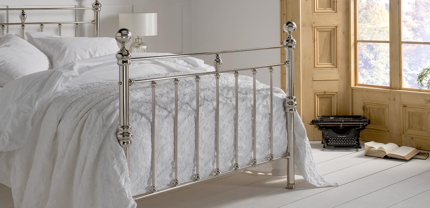 Nickel-Beds_Arthur_Tailboard
